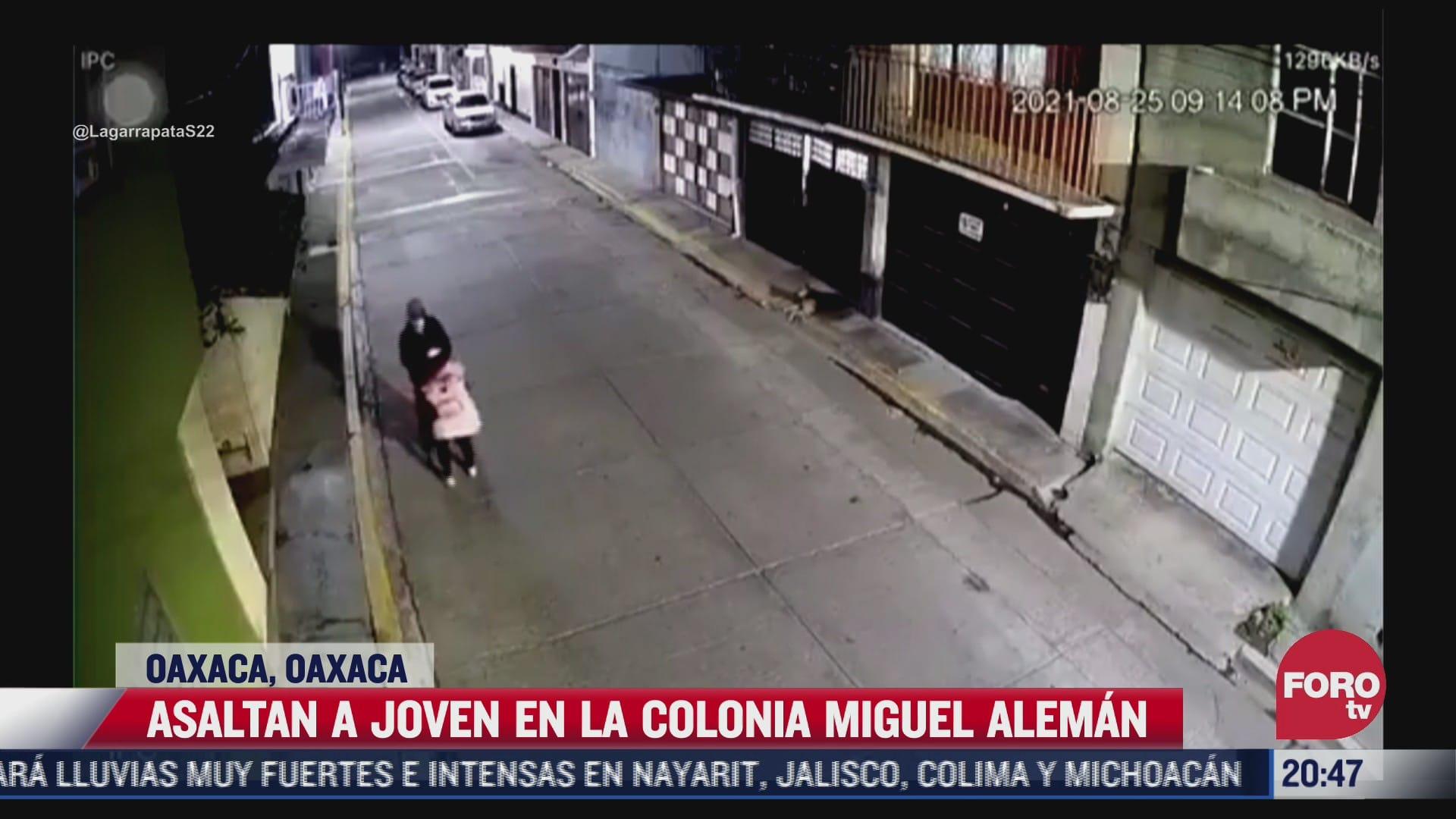 captan el asalto a una joven en oaxaca