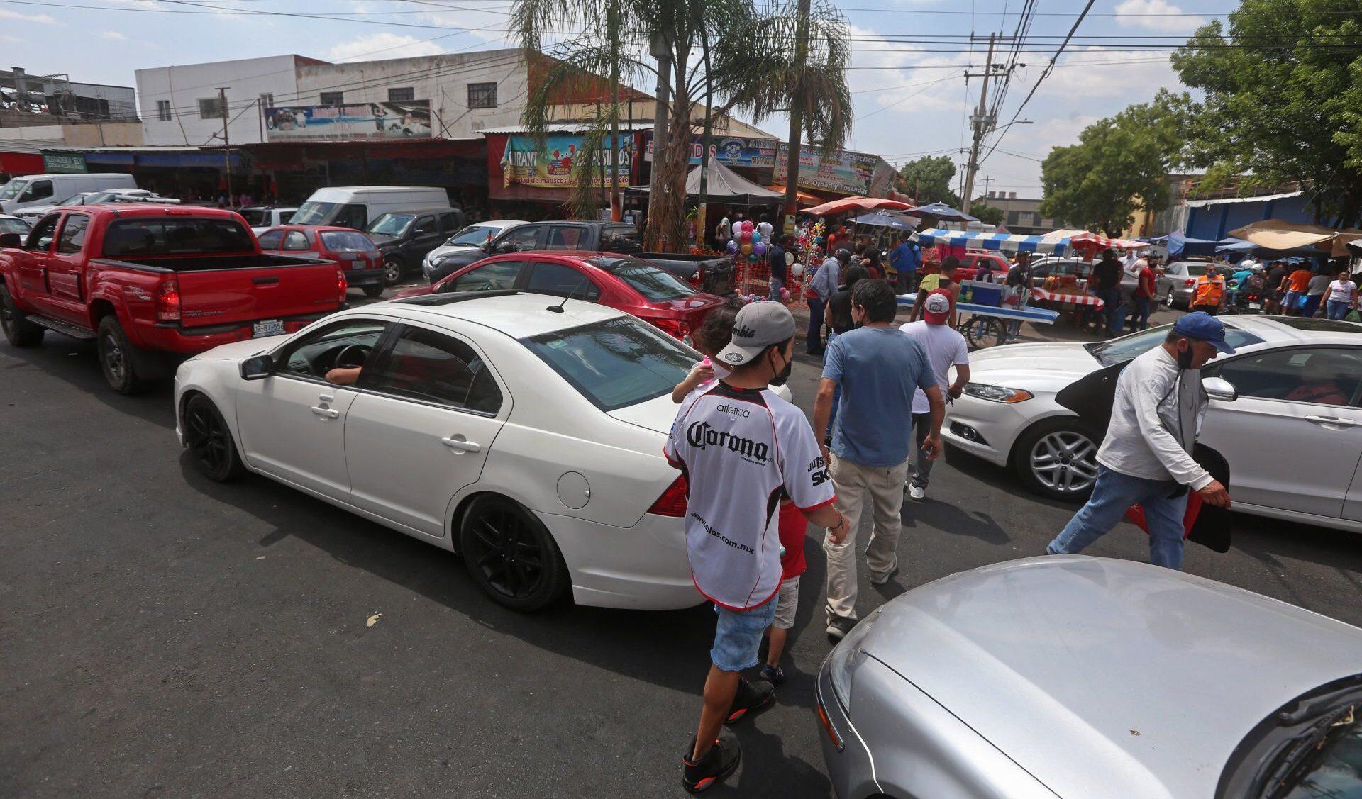 Carros foráneos necesitarán pase de estancia temporal en Guadalajara, Jalisco
