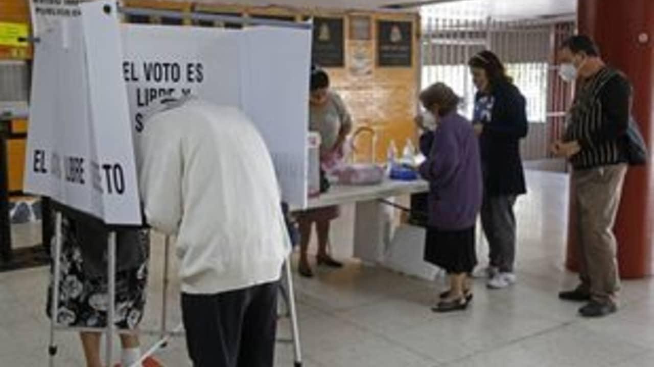 Consulta popular 2021 se realizó con éxito entre opiniones divididas de ciudadanos y funcionarios