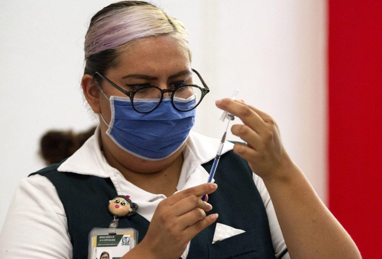 """Vacuna COVID-19: ¿puedo tener """"covid largo"""" tras vacunarme?"""