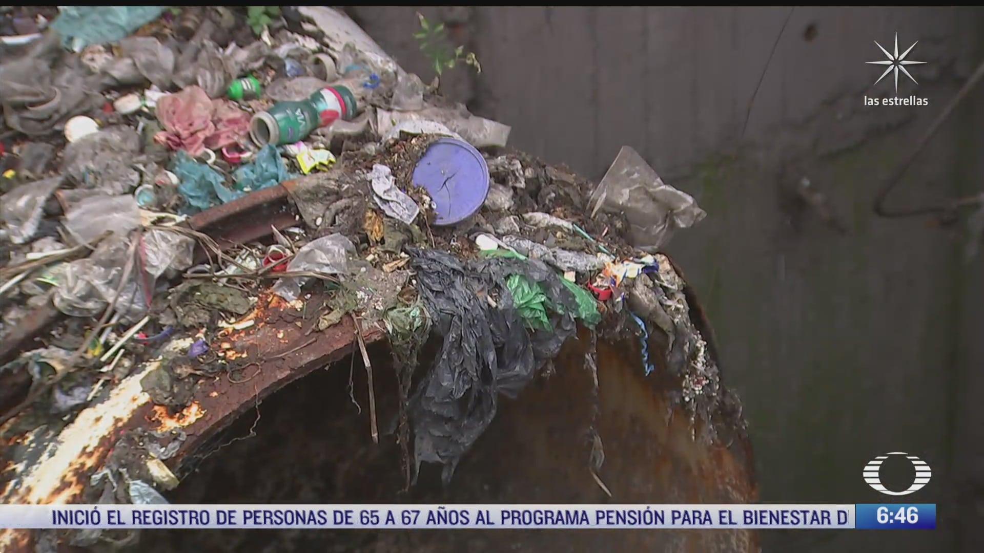 cuerpos carros y lavadoras entre las toneladas de basura que se sacan del drenaje de cdmx