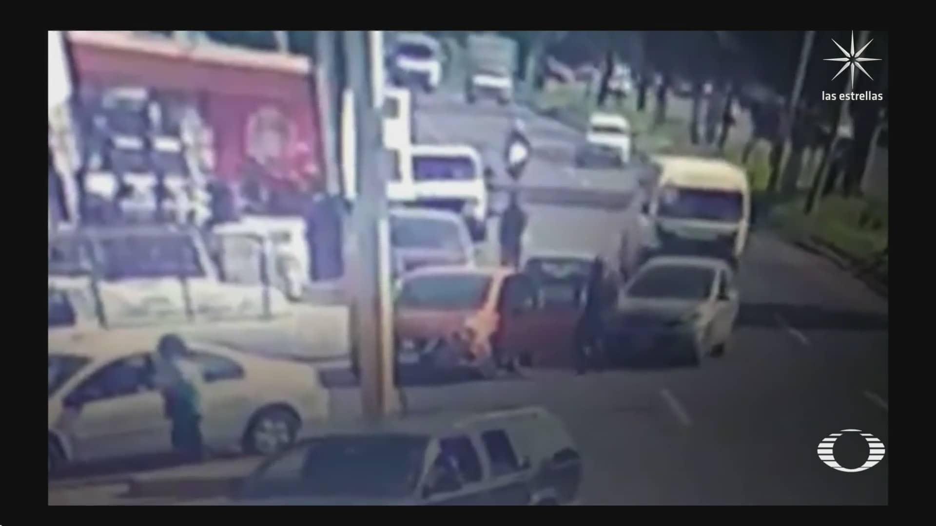 desconocidos se unen para detener a asaltante en ecatepec