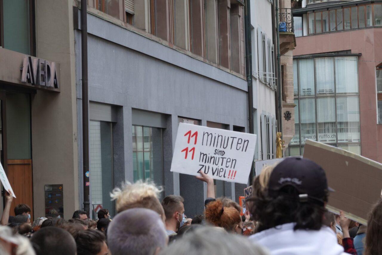 Protestas en Suiza tras reducción de sentencia de violador