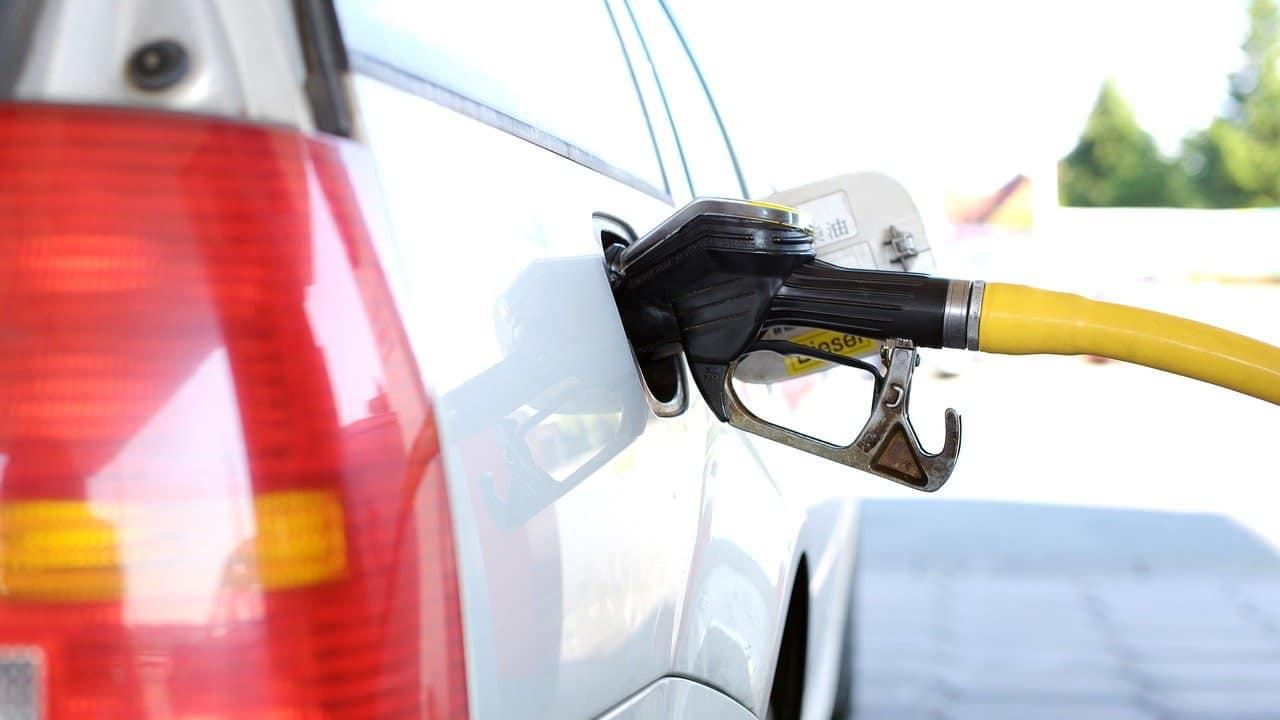 gasolina, tanque, vehiculo, imagen ilustrativa