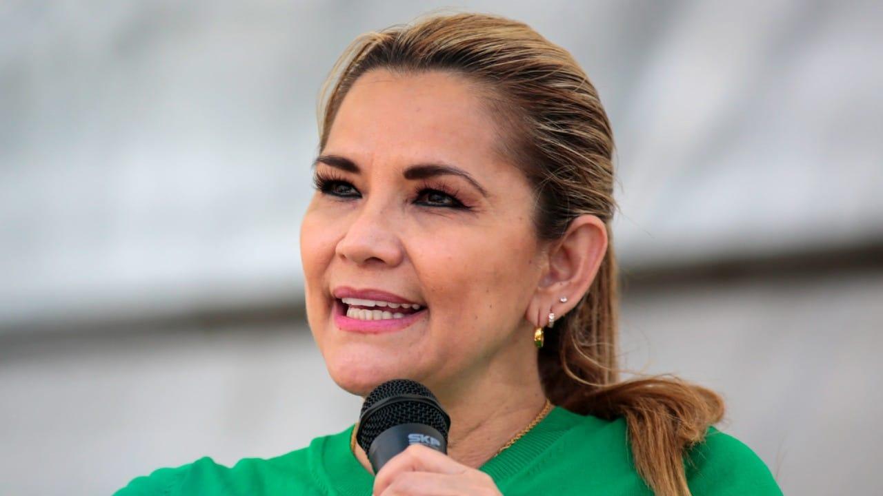 Expresidenta Jeanine Áñez intenta lesionarse en prisión en Bolivia