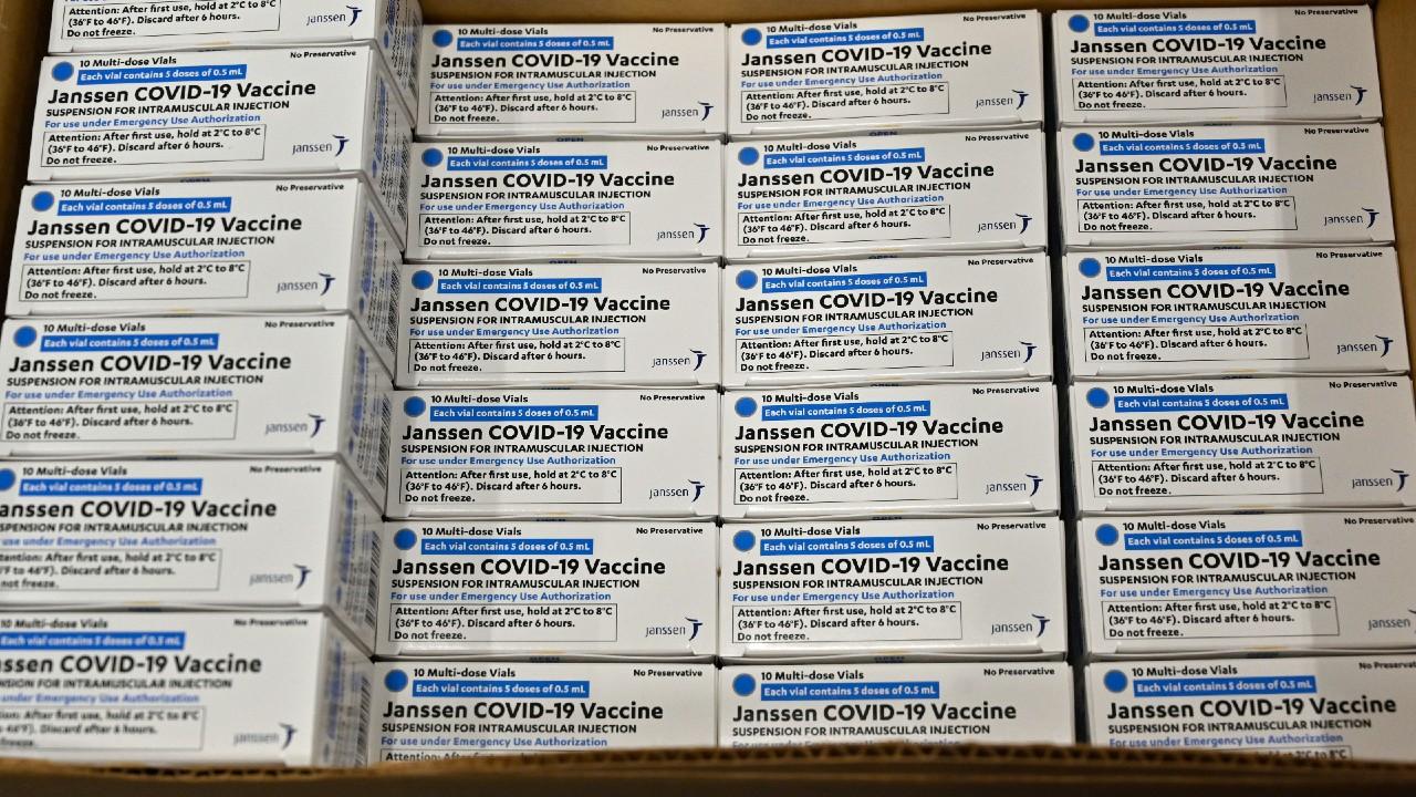 ¿Se requiere un refuerzo para la vacuna COVID de J&J?