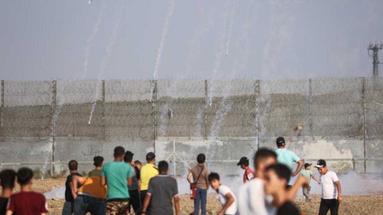 Israel bombardea Gaza tras jornada de protestas palestinas