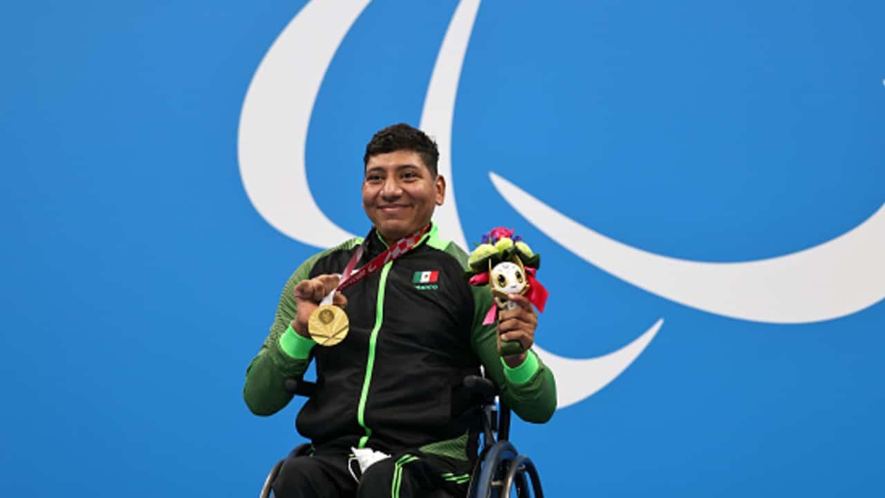 Jesús Hernández gana medalla de oro en paralímpico de natación