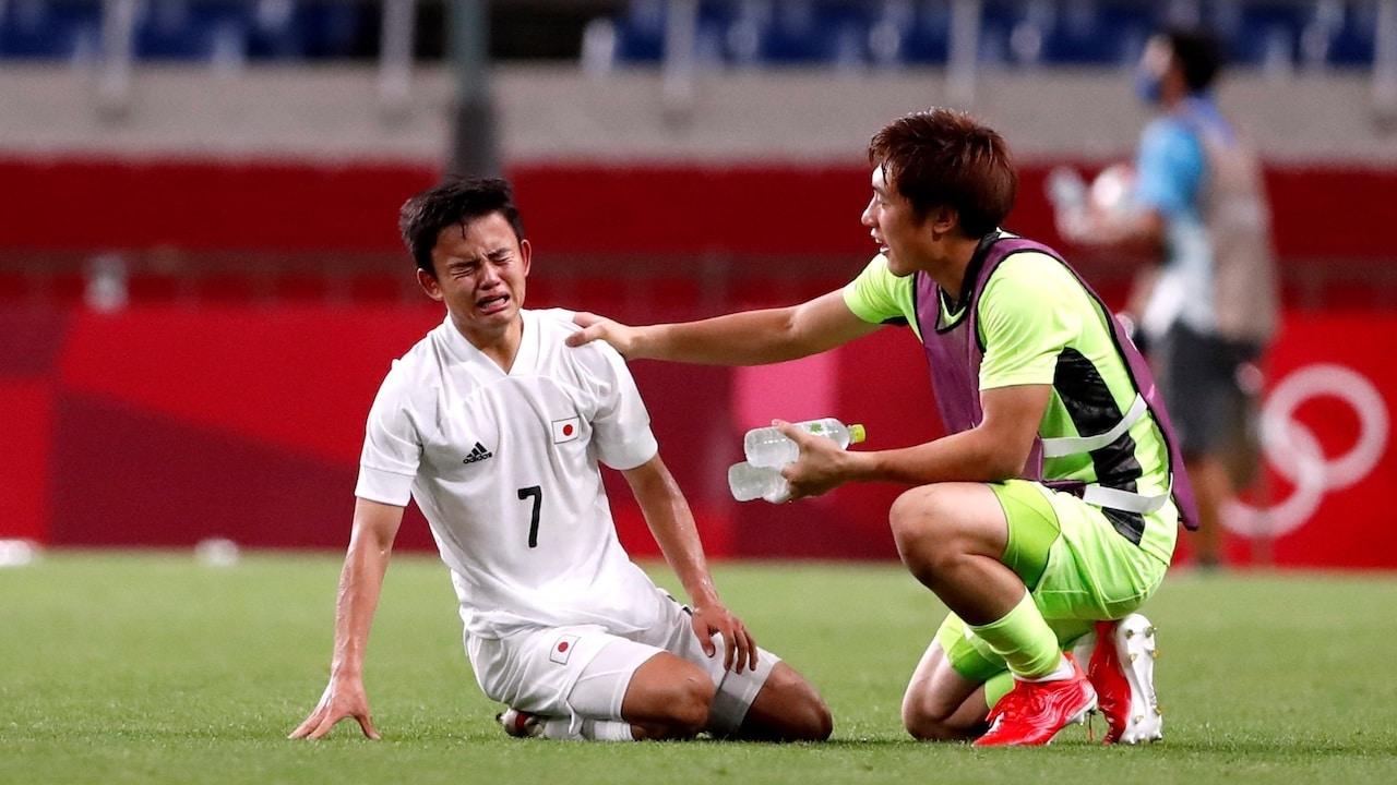 Jugador japonés llora al perder la medalla de bronce contra México