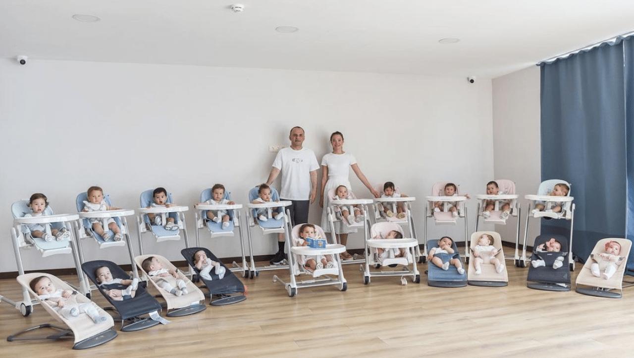 Pareja 21 Hijos Un Año