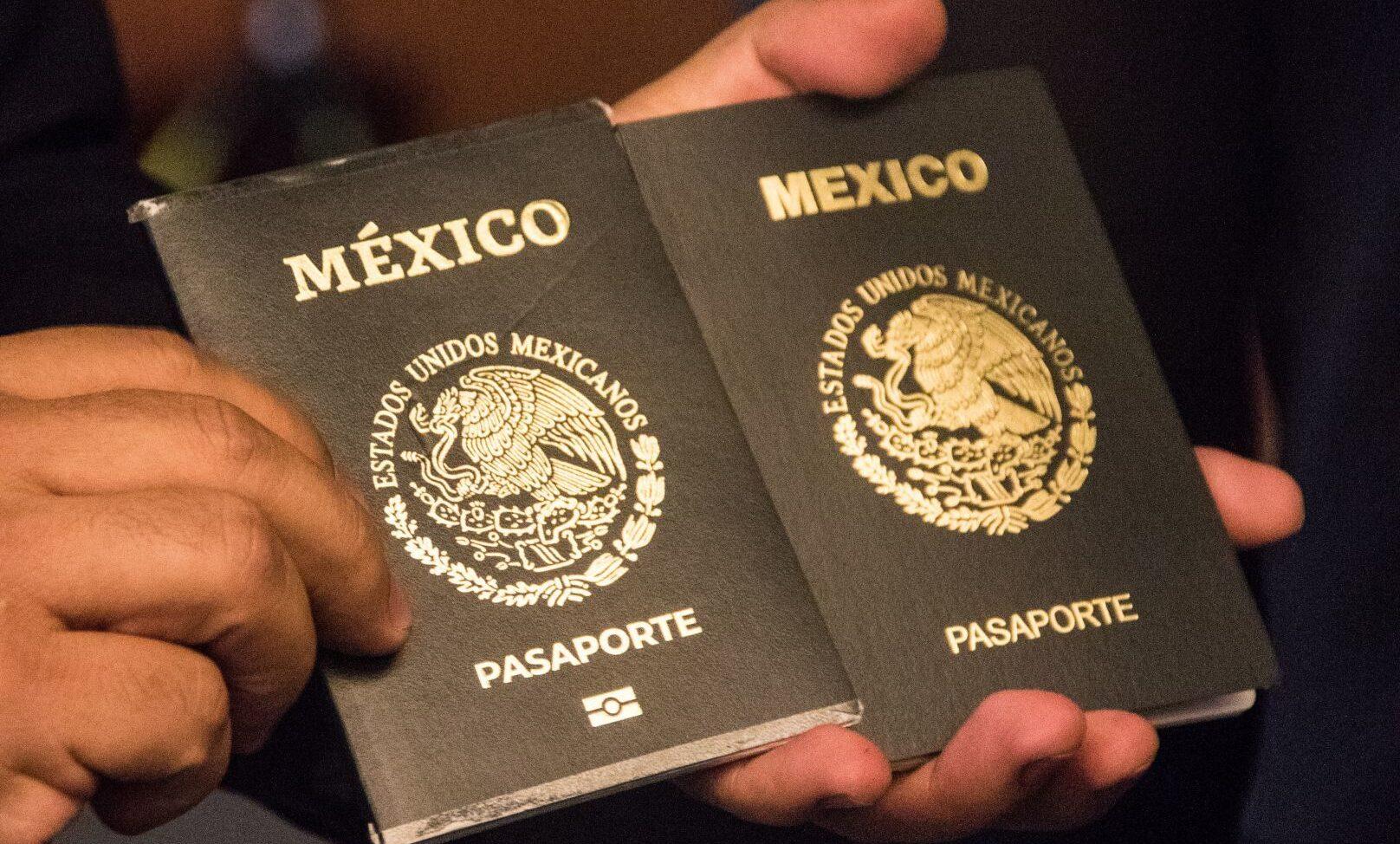 Pasaporte mexicano diplomático color negro personas que lo pueden tener