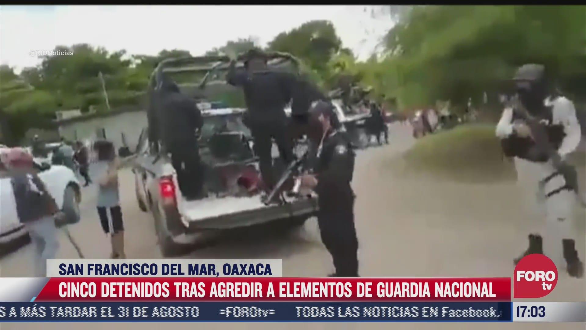 pobladores agreden a miembros de la gn para impedir arresto en oaxaca