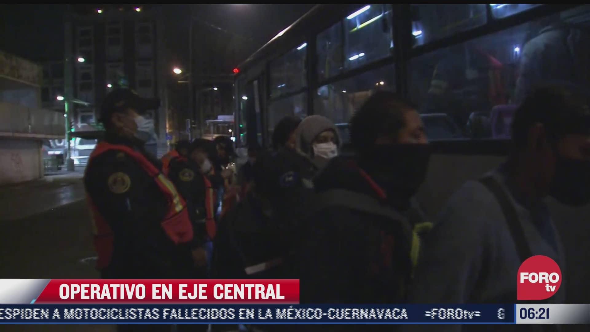 policias capitalinos realizan revisiones en transporte publico para prevenir asaltos