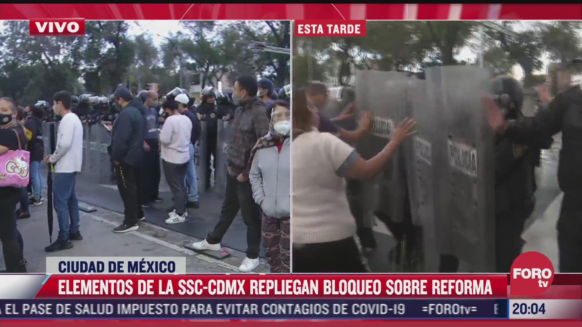 policias capitalinos retiran bloqueo en paseo de la reforma