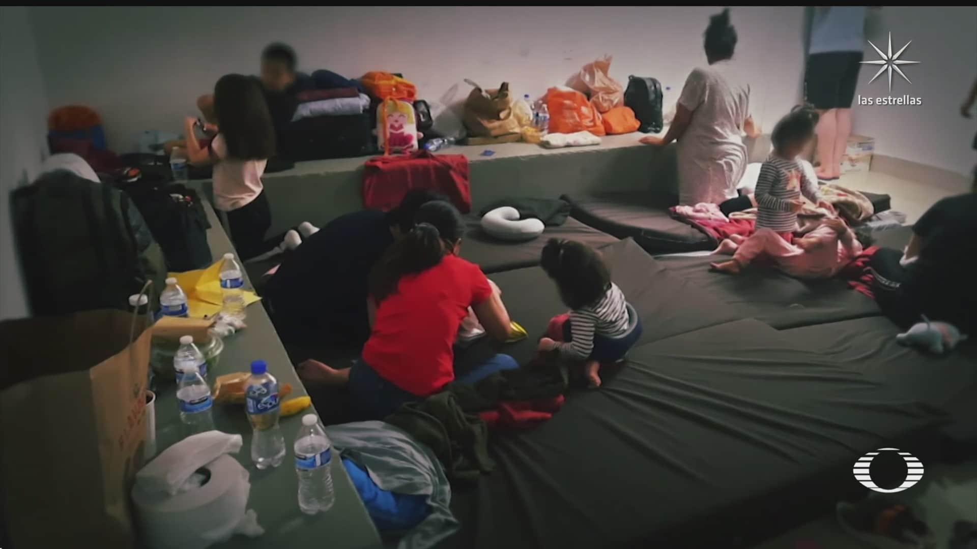 retienen a familias extranjeras en aeropuerto de cancun