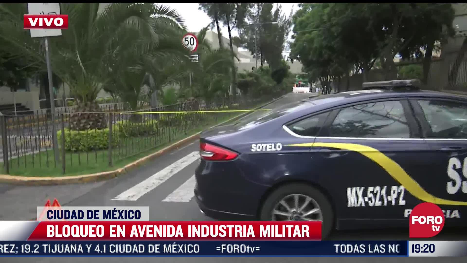 se registra bloqueo en avenida ingenieros militares en cdmx