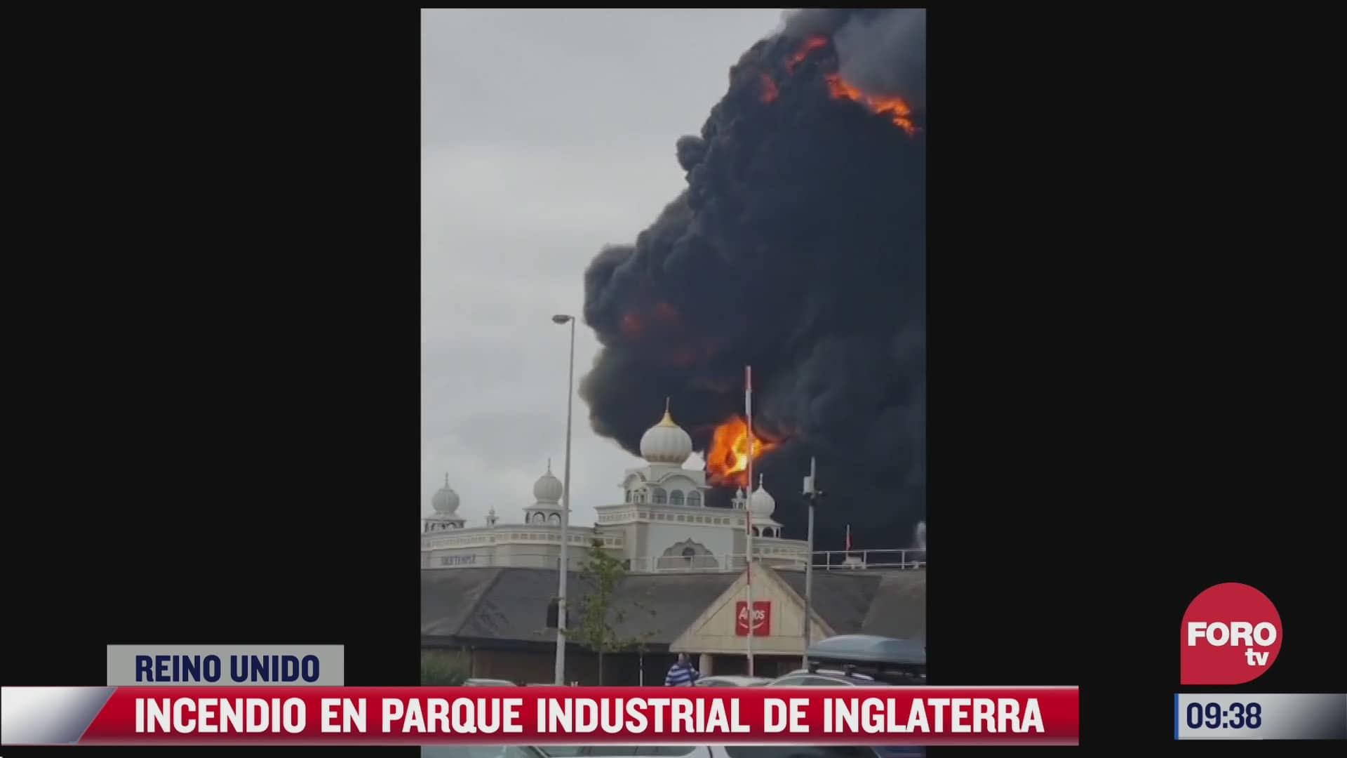 se registra incendio en parque industrial de inglaterra