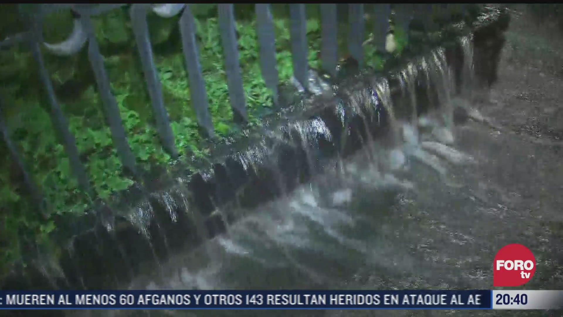 se registra mega fuga de agua en inmediaciones del bosque de chapultepec