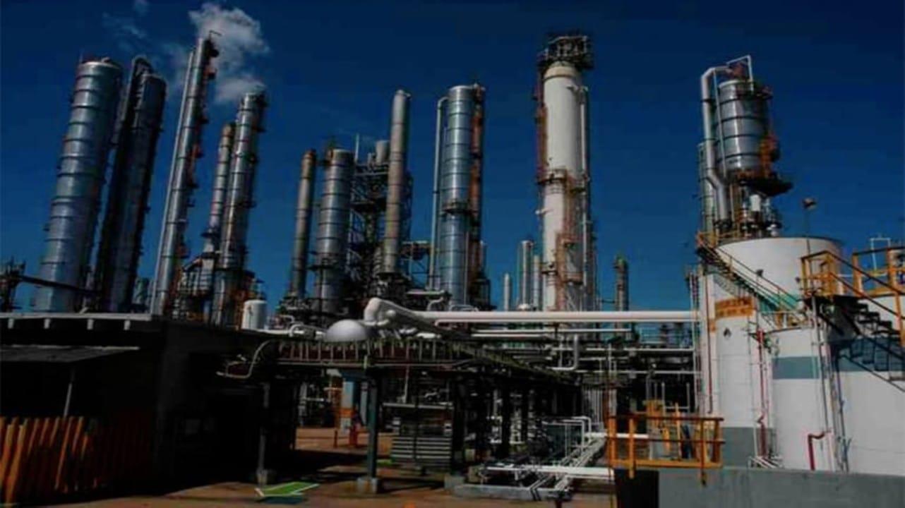 Trabajadores que denunciaron fallas en instalaciones de Pemex son despedidos por la paraestatal