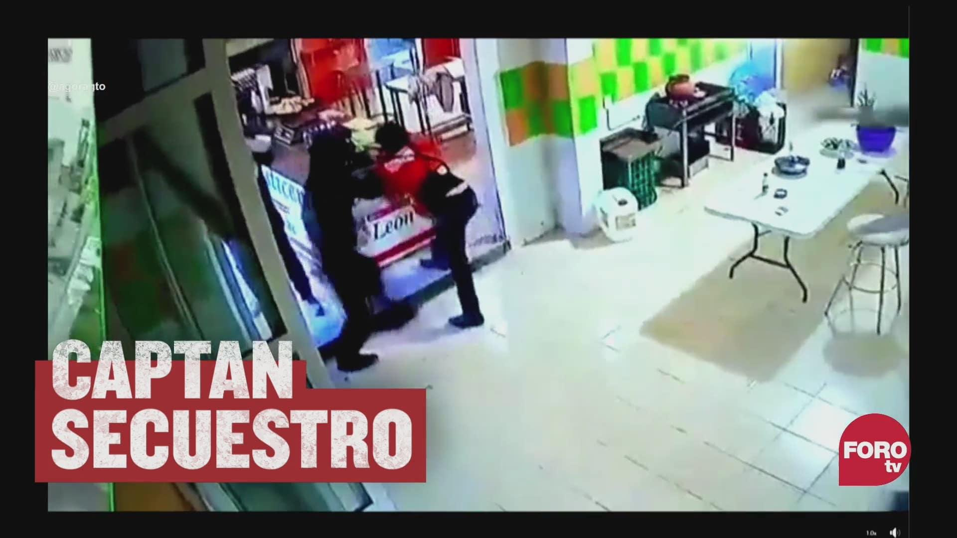 video secuestran a mujer de una rosticeria en guanajuato la suben a camioneta
