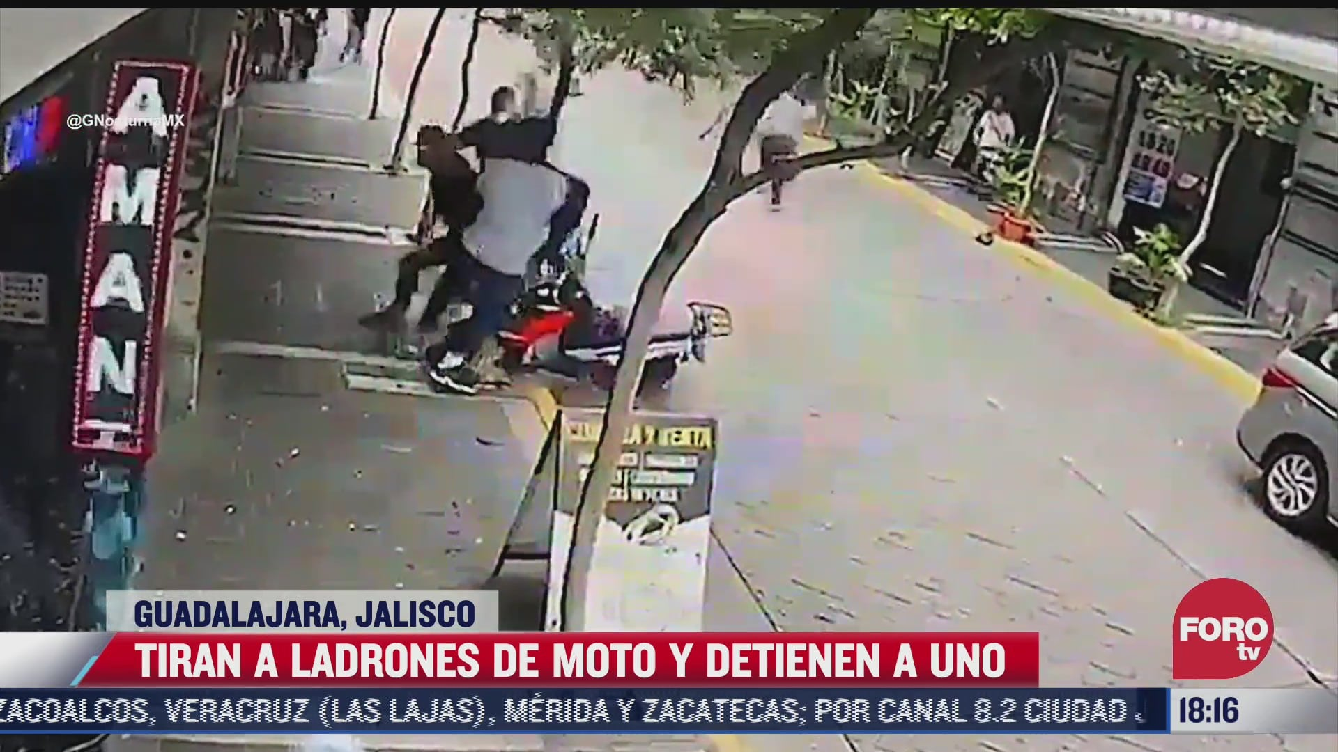 video tiran a ladrones de moto y detienen a uno en guadalajara jalisco