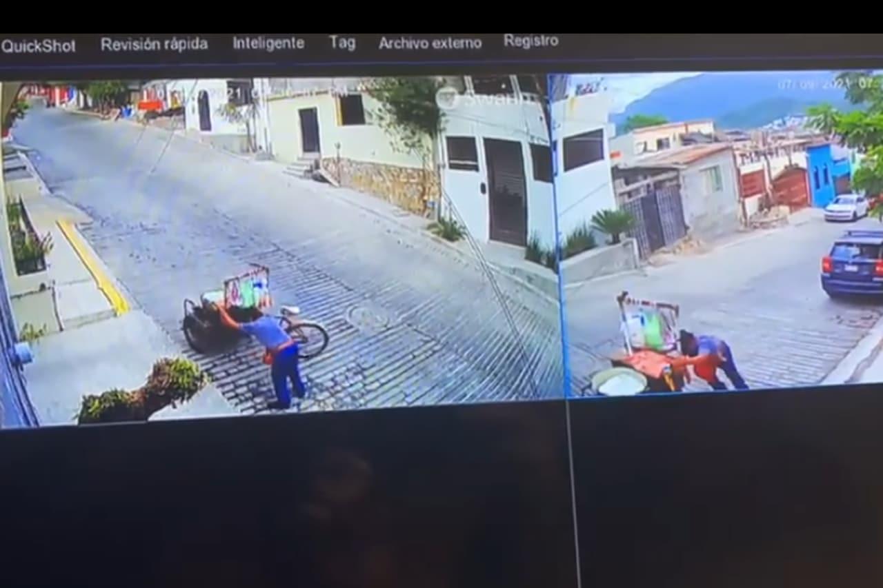 Elotero perdió su carrito en Monterrey