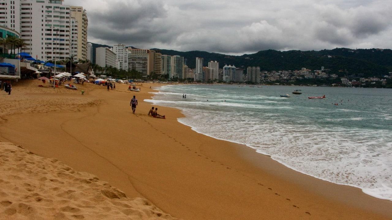 Acapulco sufre desbasto de agua potable desde hace mes y medio