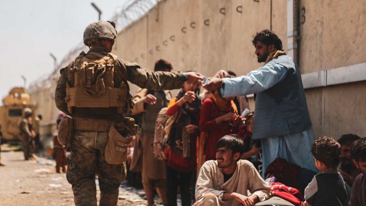Talibanes ganan terreno en Panshir; Washington advierte riesgo de guerra civil