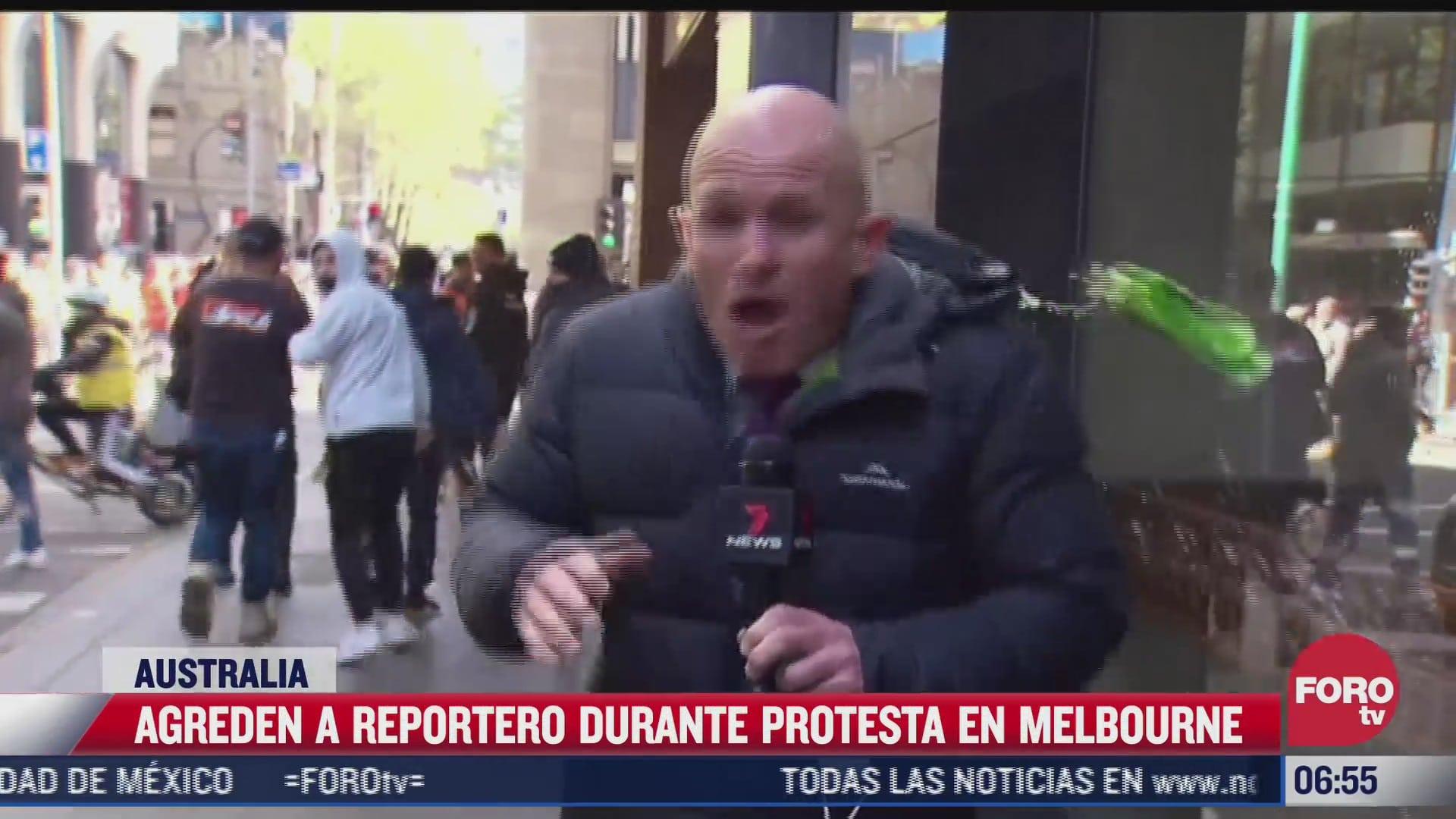 agreden a reportero que cubria protesta contra campana de vacunacion covid