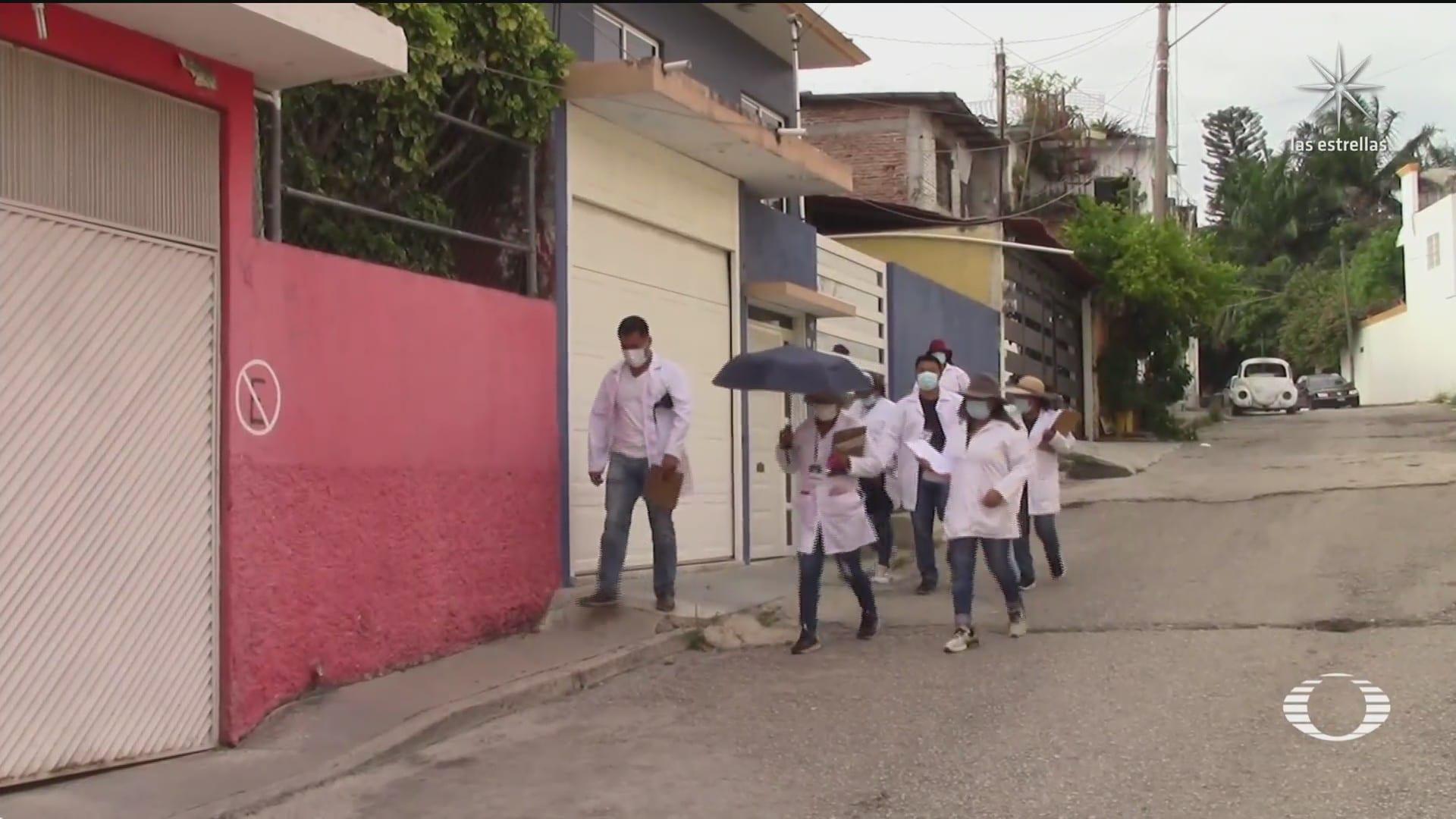 autoridades de chiapas vacunan contra covid casa por casa