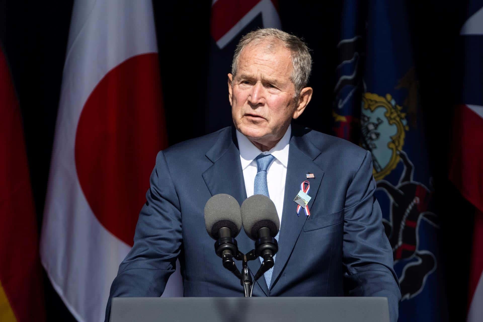 Bush defiende luchar contra extremistas violentos dentro y fuera de EEUU