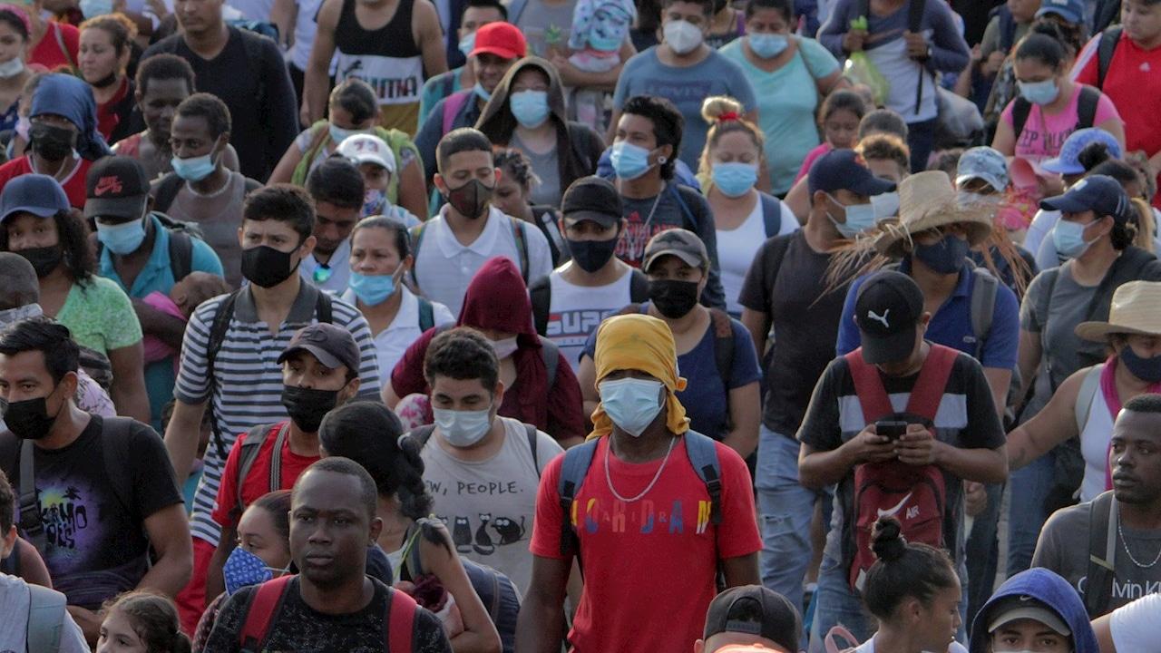 Cuarta caravana migrante avanza rumbo a EEUU desde la frontera sur de México