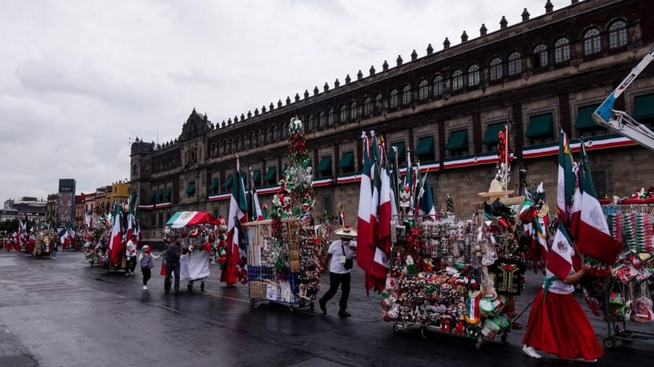 Carritos patrios llenan de colores mexicanos la CDMX