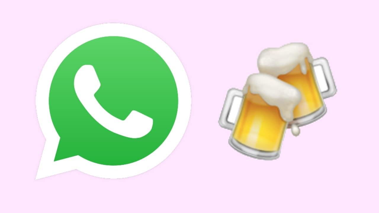 WhatsApp Emoji Cervezas chocando