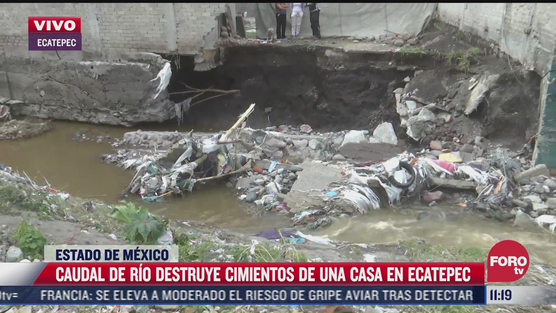 corriente de agua se llevo casi media casa dice afectada por inundaciones en ecatepec