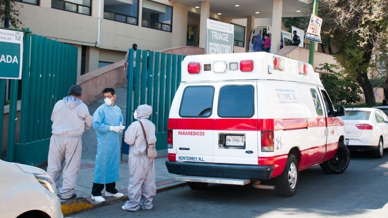 Paramédicos en el Centro Médico Siglo XXI (Cuartoscuro)