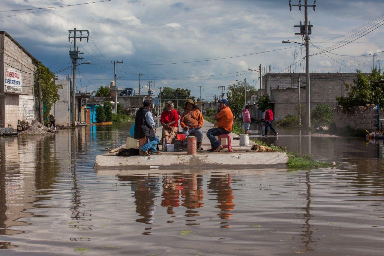 Avanzan trabajos de limpieza en Tlahuelilpan, Hidalgo, tras inundaciones