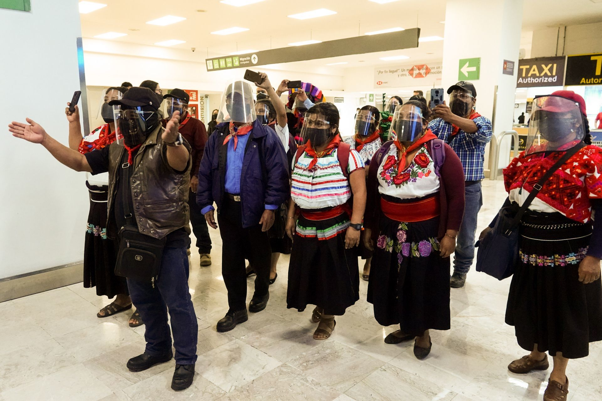 Regresa a México delegación del EZLN tras visitar 30 países de Europa