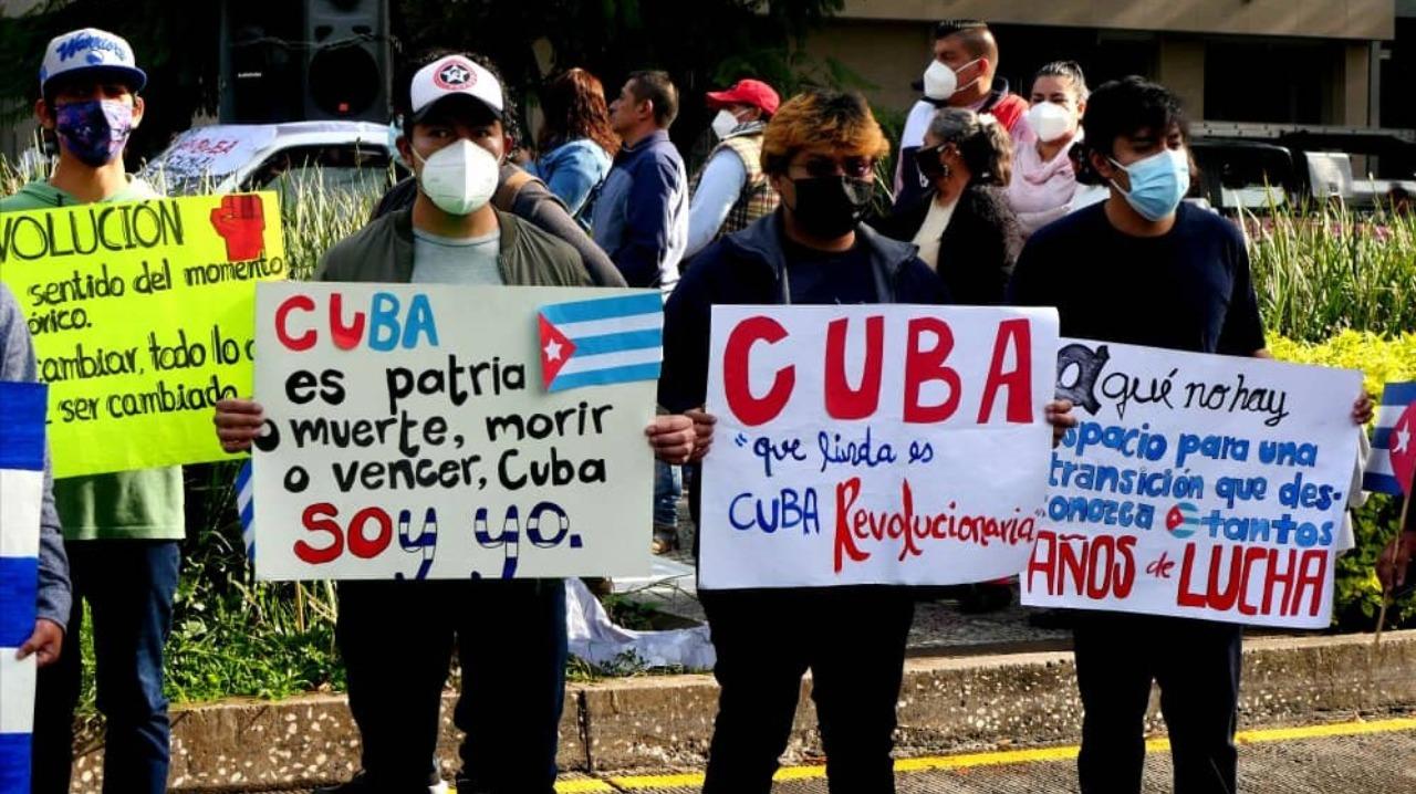 Se enfrentan manifestantes en embajada de Cuba en CDMX por visita de Díaz-Canel