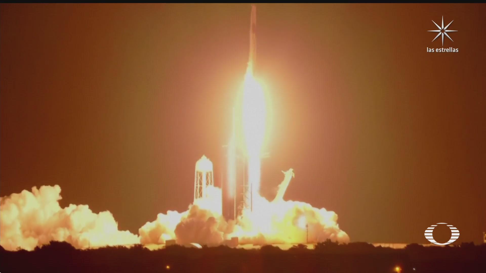 despega la primera mision espacial tripulada por turistas