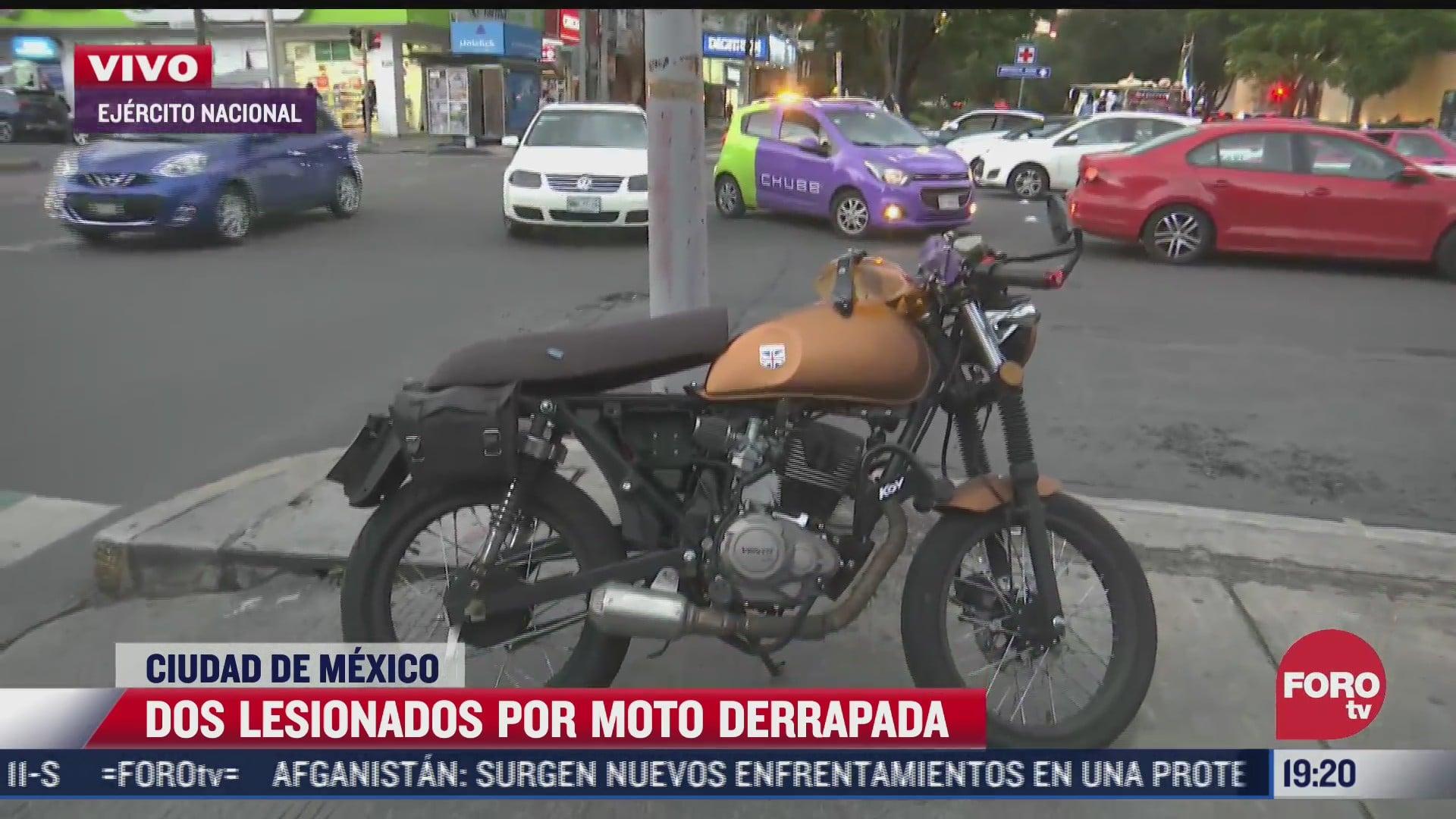 dos motociclistas lesionados por derrape en polanco