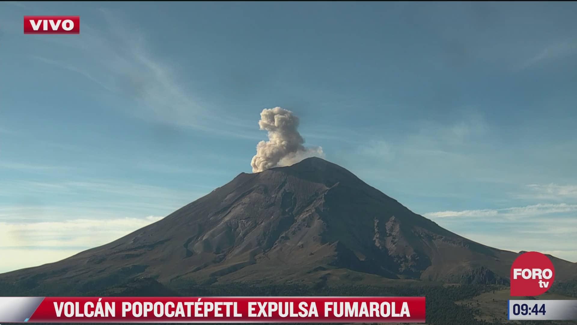 el popocatepetl lanza gran fumarola
