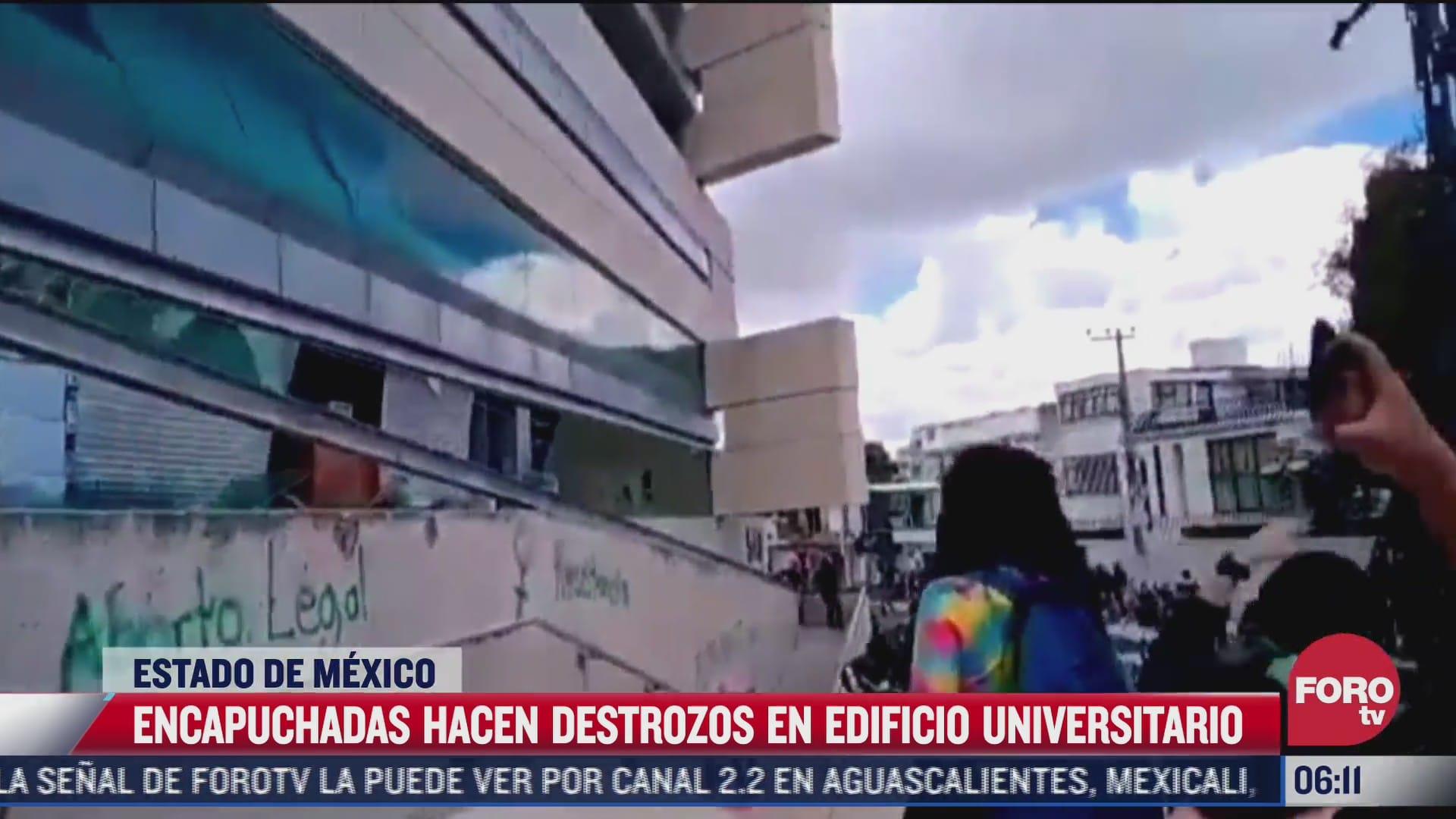 encapuchadas causan destrozos en la universidad autonoma del estado de mexico