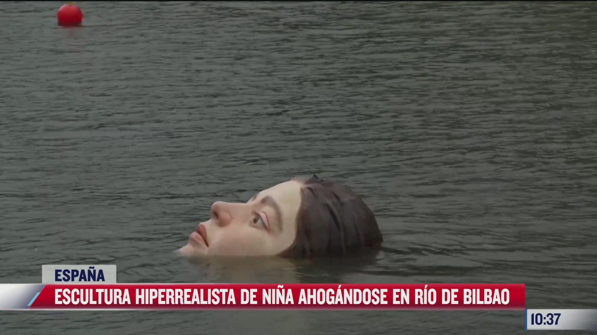 escultura de nina ahogandose en un rio causa revuelo en espana el autor es mexicano