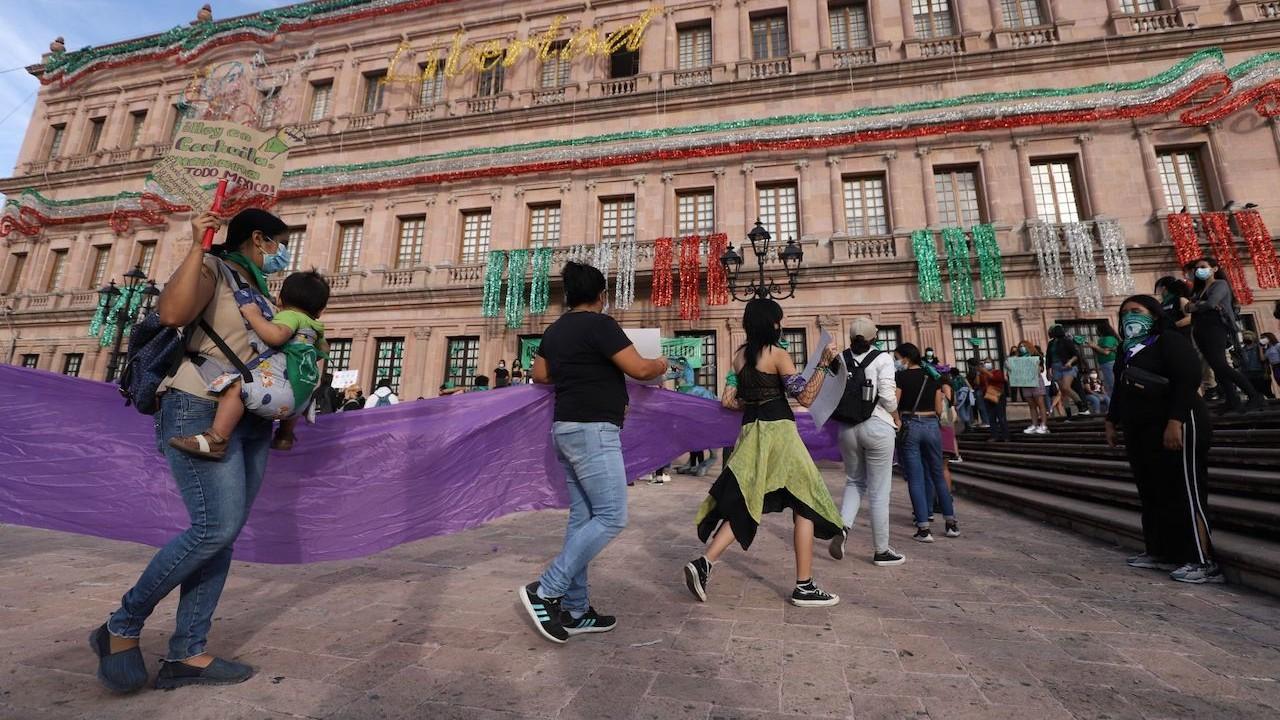 Colectivas feministas en Coahuila celebraron la decisión de la despenalización del aborto (Cuartoscuro)