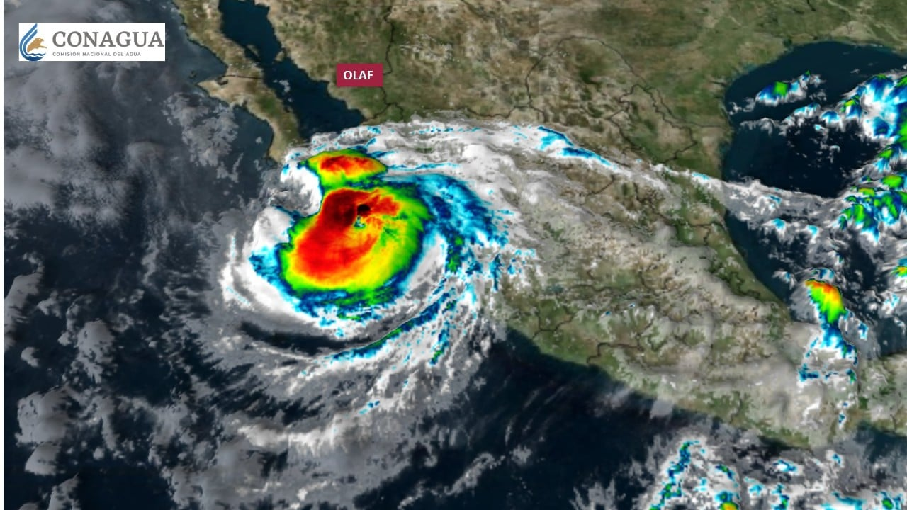 Activan Alerta Roja en Baja California Sur por el huracán Olaf