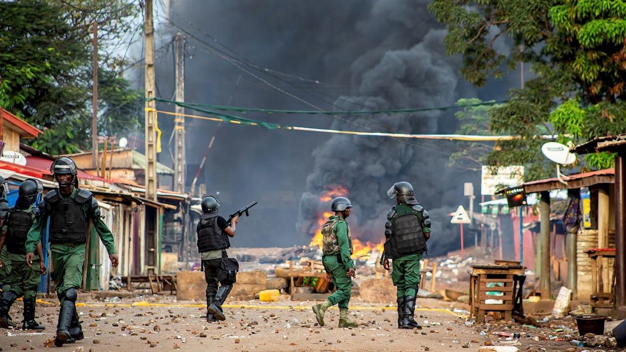 Militares del Grupo de Fuerzas Especiales del Ejército de de Guinea-Conakri realizan golpe de Estado