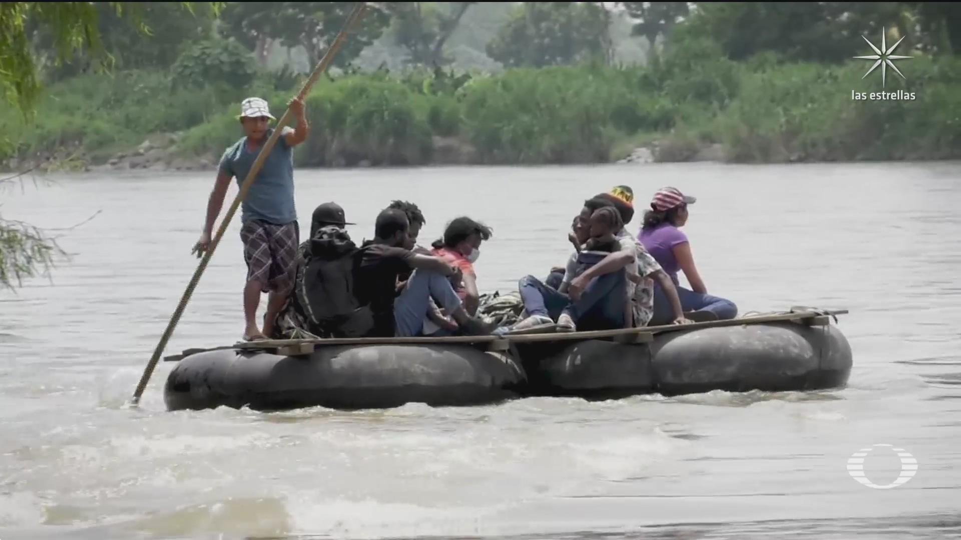haitianos continuan cruzando a mexico por el rio suchiate