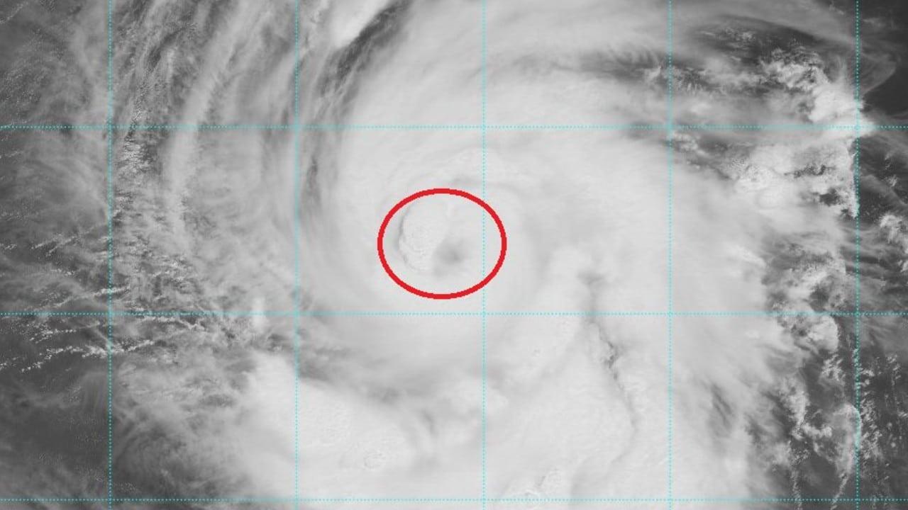 Huracán Larry se intensifica a categoría 3, muy lejos de territorio mexicano.