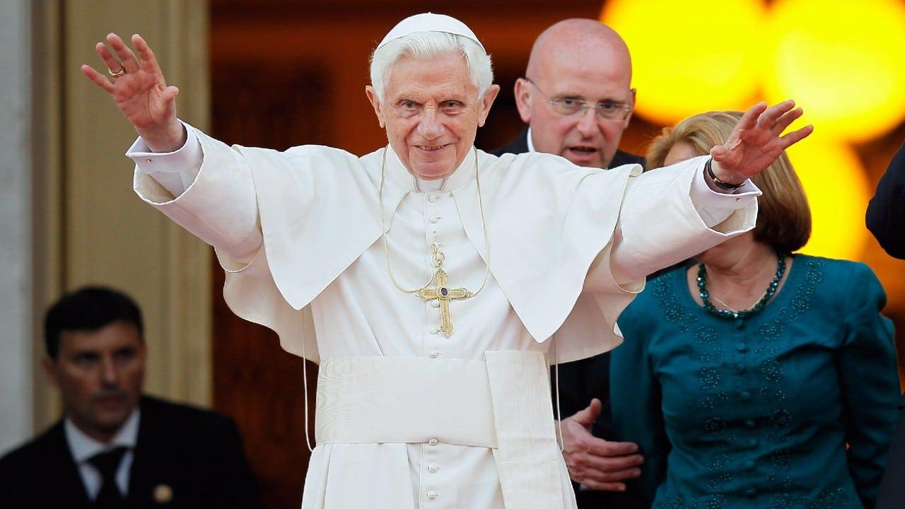 Matrimonio entre personas del mismo sexo, deformación de la conciencia: Benedicto XVI